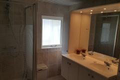 Jutterstijd Ameland badkamer douche