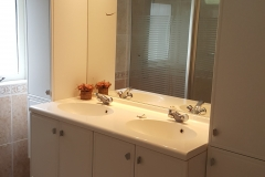 Jutterstijd Ameland badkamer wastafel